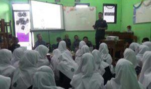 Tangkal Hoax, Forwas Gandeng Pelajar SMK