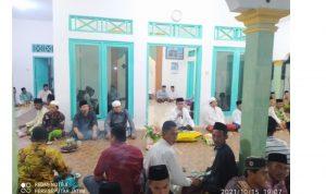 Foto: Ust. H. Junaidi, S.Pdi Saat Memberikan Sambutan Dalam Acara Maulid Nabi di Musholla At-Taqwa