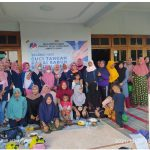 Foto: Ketua DPD PUAN Sumenep, Siti Hosna Saat Foto Bersama Sesuai Acara.